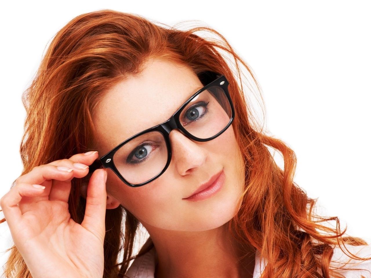 Женщина в очках 7 фотография